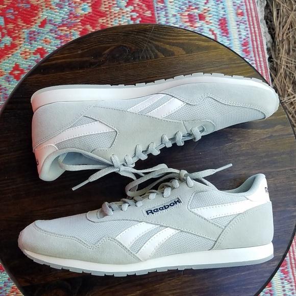 ... Royal Ultra SL Classics Women s. M 5c4cf1ae534ef973b20c3057. Other Shoes  you may like. REEBOK AZTREK cd3186924